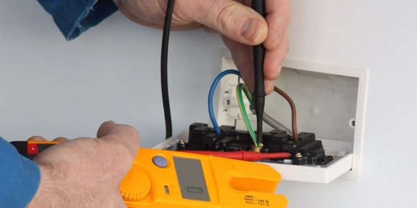 RB Services Pat Testing West Midlands technician